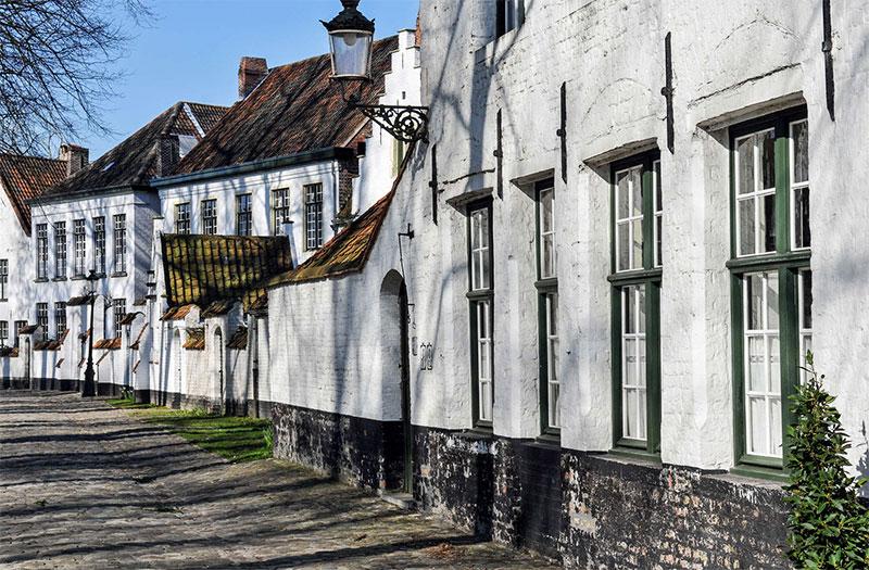 Достопримечательности Брюгге: Бегинаж — монастырь бегинок