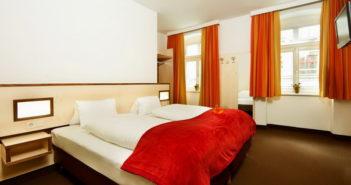 Отели Инсбрука - Hotel Goldene Krone Innsbruck
