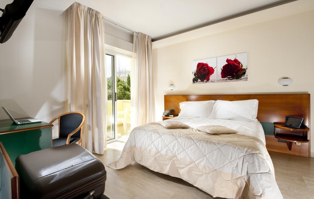 Лучшие отели Римини: Astoria Suite Hotel