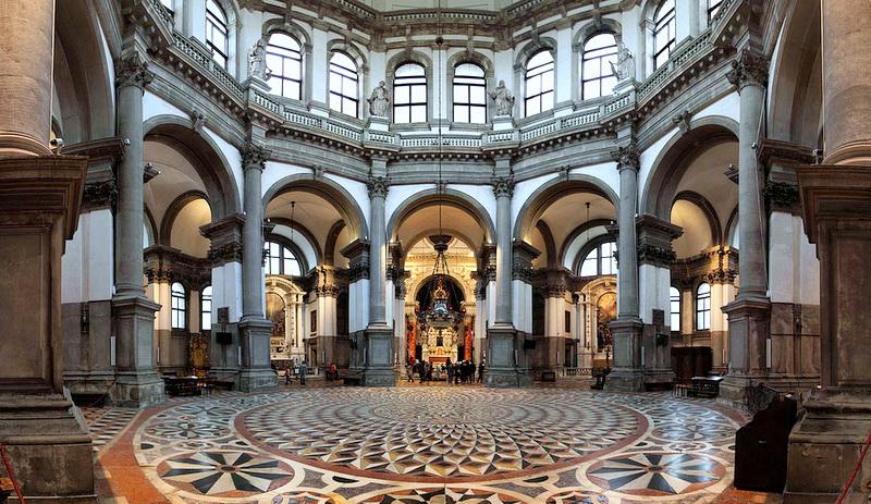 Что посмотреть в Венеции: Санта-Мария-делла-Салюте