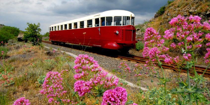 Экскурсия на поезде вокруг Этны, Сицилия, Италия