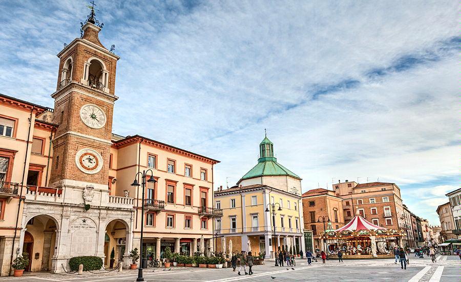 Центральная площадь Римини, Италия (Rimini city center, Italy)