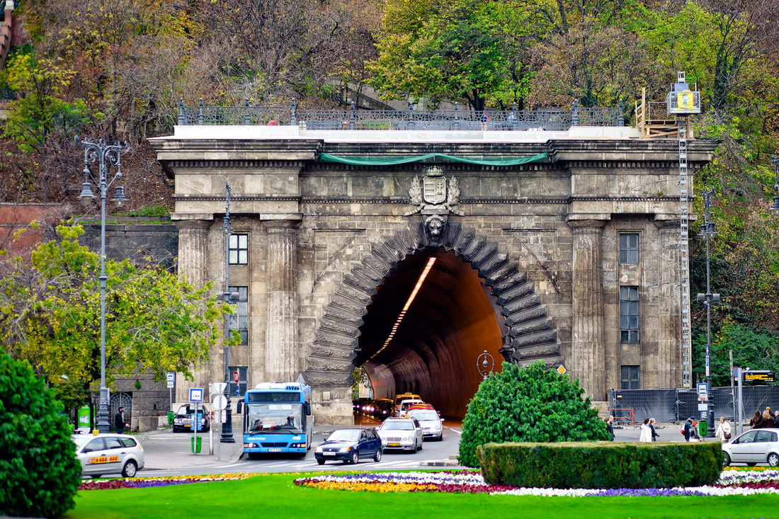 Туннель под Будайской горой в Будапеште