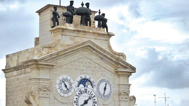 Часовая башня дворца Великого Магистра (Валлетта, Мальта)