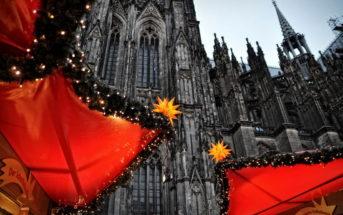 Рождественский рынок у Кельнского собора