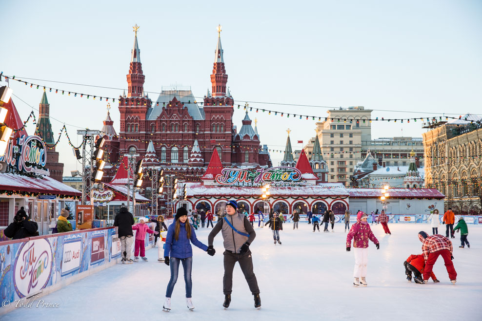 Каток на Красной площади (Зимняя Москва)