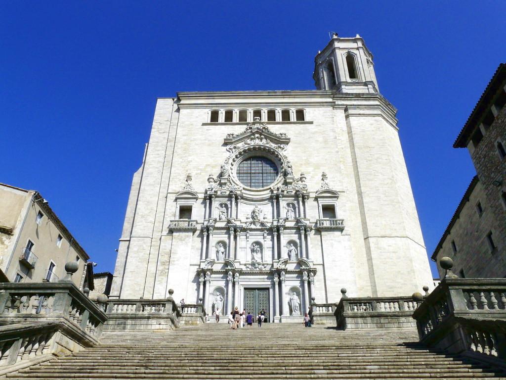 Экскурсии из Барселоны - Жирона экскурсии из Барселоны? Куда можно съездить из Барселоны? 10 near girona cathedral of santa maria barocco