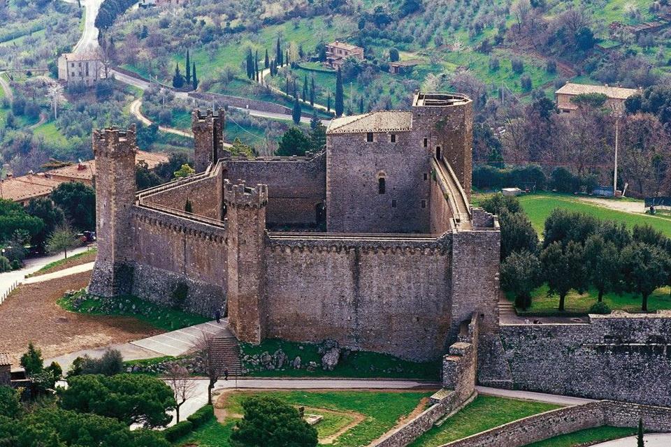 Знаменитые города Тосканы - Монтальчино, Италия