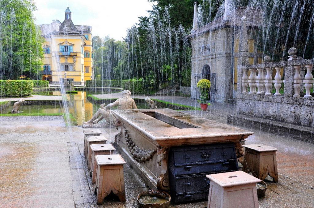 Экскурсии в пригороде Зальцбурга: дворец Хельбрунн