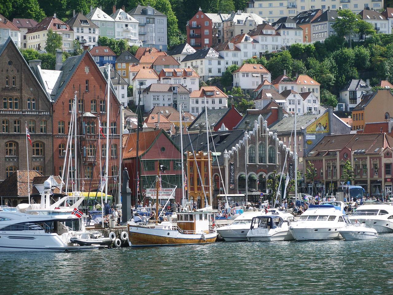 Панорама Бергена со стороны моря (Bergen, Norway)