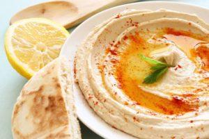 Что попробовать в Иерусалиме - хумус с халой
