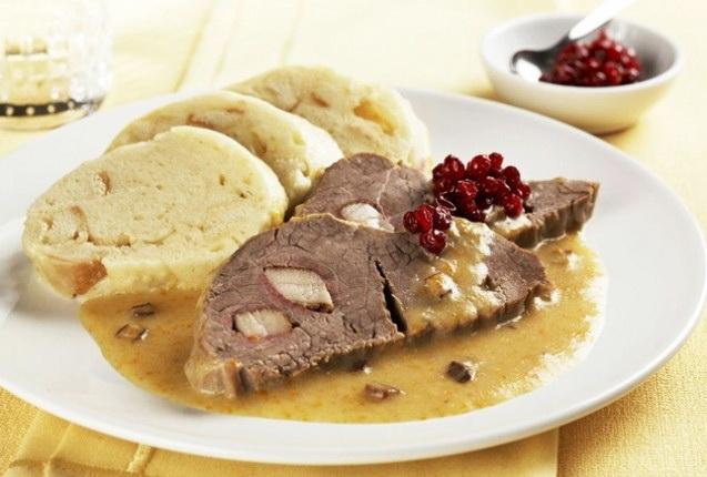 Какие блюда попробовать в Праге - классические кнедлики