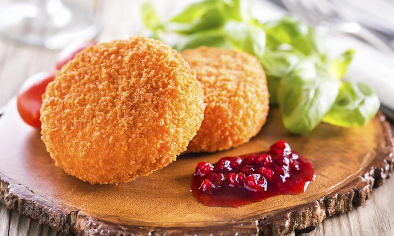 Жареный сыр Гермелин (smažený hermelín)