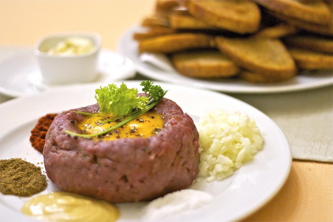 Какие блюда попробовать в Праге - татарак