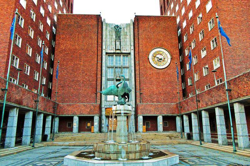 Внутренний двор здания Ратуши в Осло
