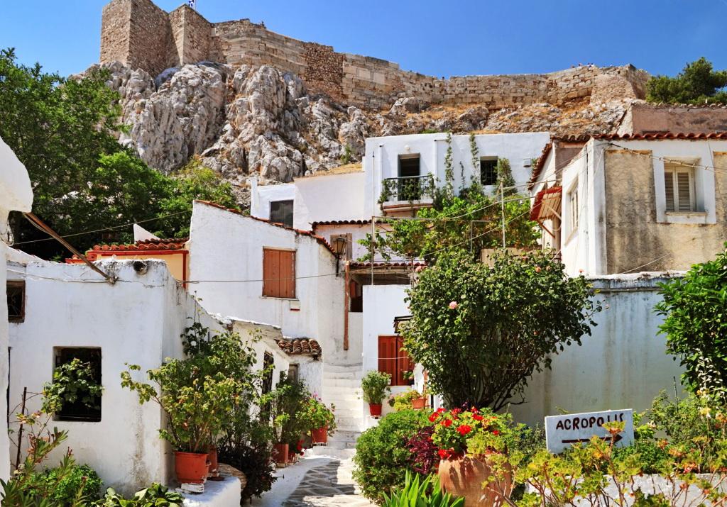 Вид на стены Акрополя (Анафиотика, Афины)