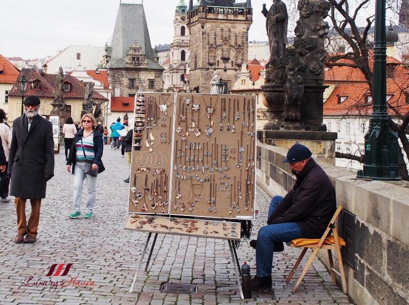 Сувениры и украшения из Праги - фото и цены