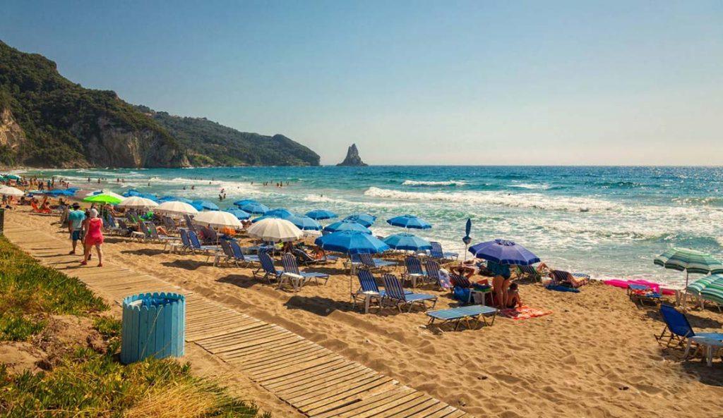 Агиос Гордиос, лучшие пляжи Корфу