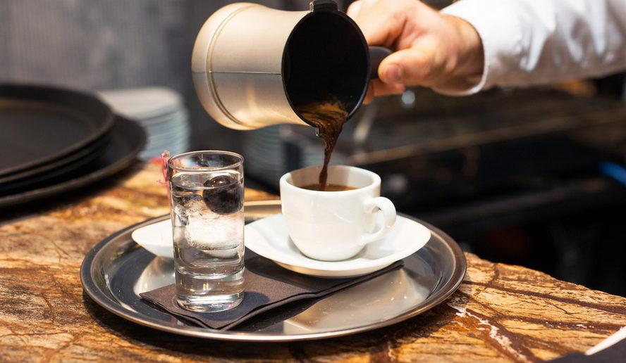 Кафенио - традиционная греческая кофейня