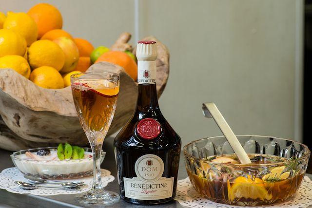Алкогольные напитки Нормандии - ликер Benedictine