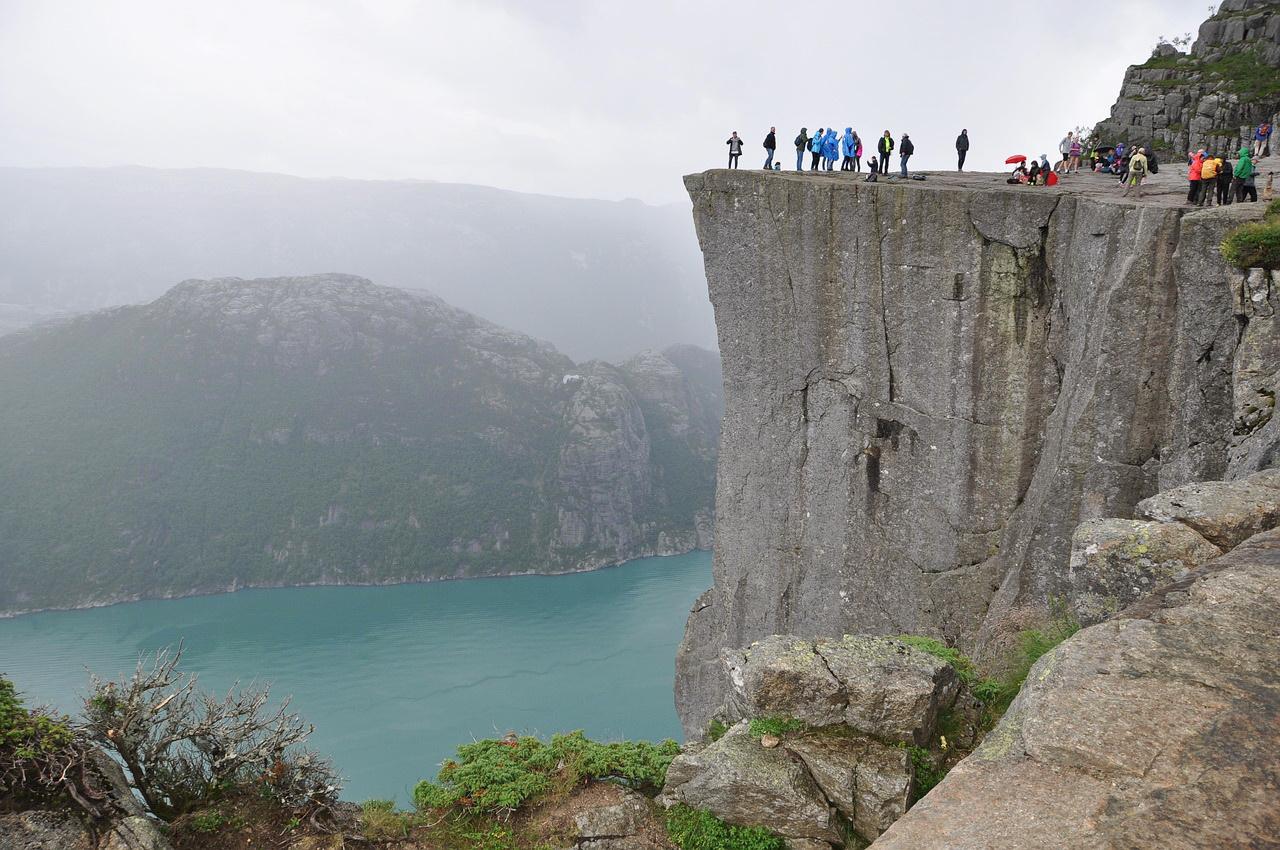 Как добраться и подняться на Прекестулен (Норвегия)
