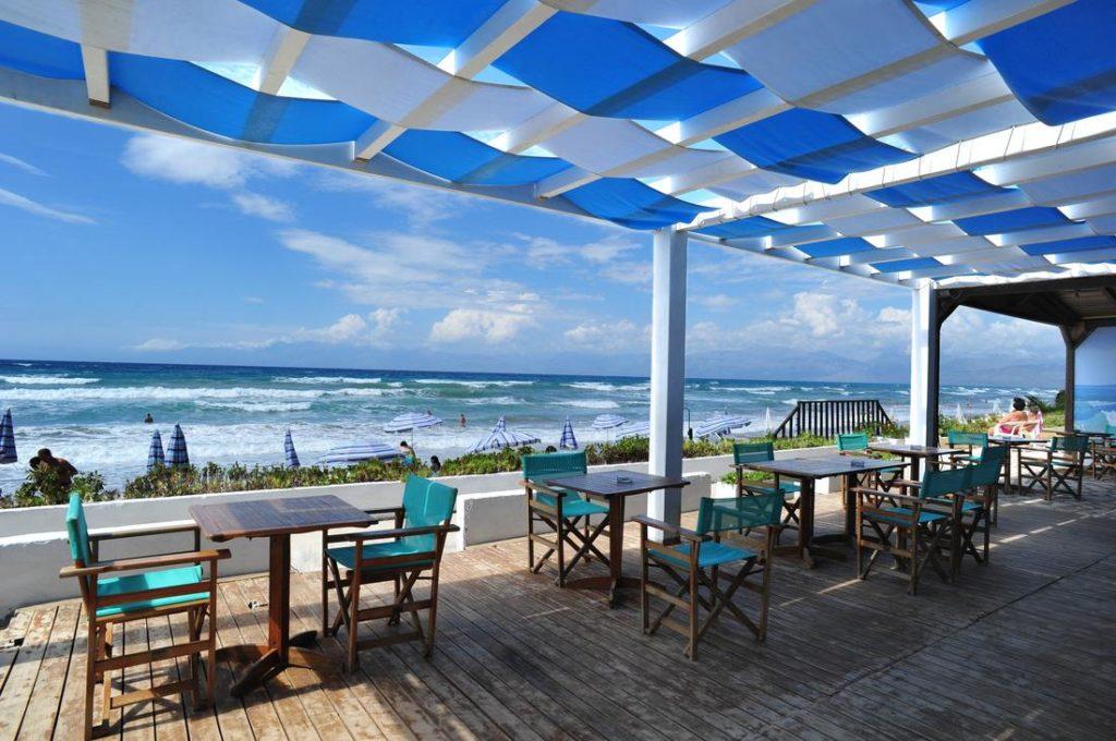 Прибрежный ресторан в Ахарави (Корфу, Греция)