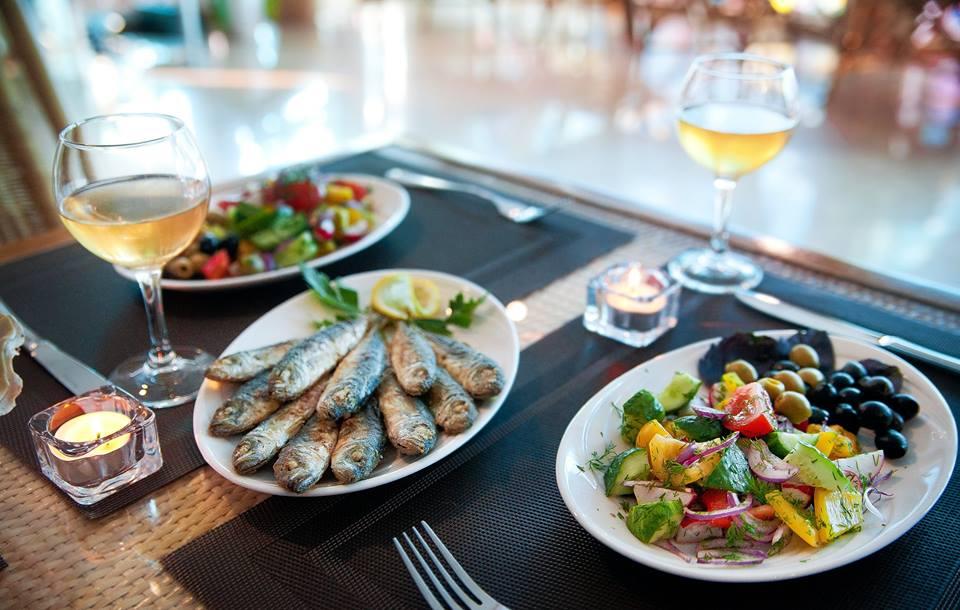 Что попробовать в Крыму из рыбы и морепродуктов: корюшка