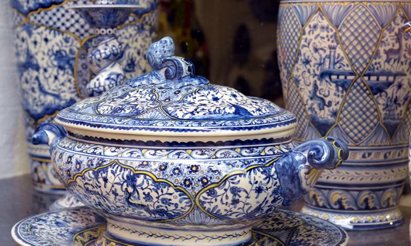Шоппинг в Португалии: керамическая посуда с элементами азулежу