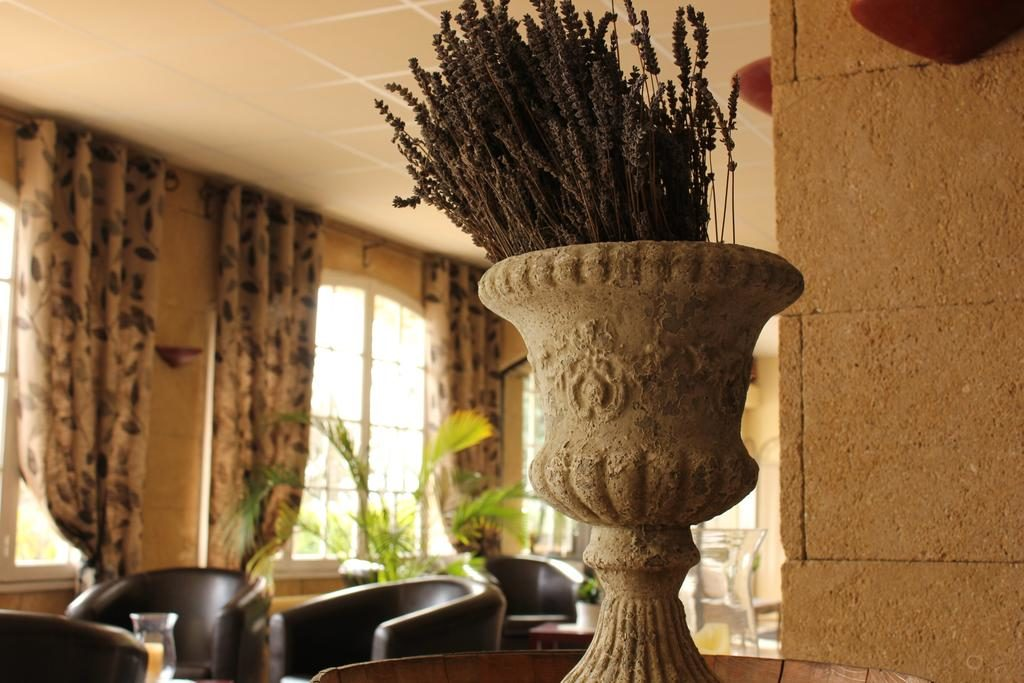 Недорогие отели Прованса - Hôtel Le Manoir