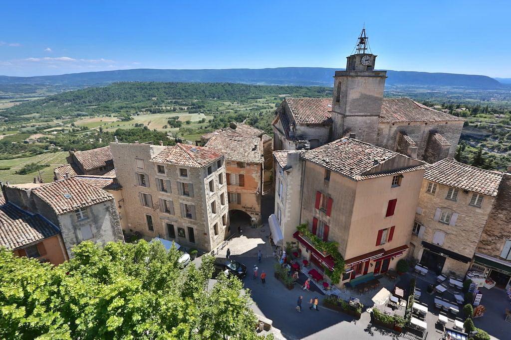 Центральная площадь города (Горд, Франция) Деревня Горд Деревня Горд, Прованс gord france 16 1024x683