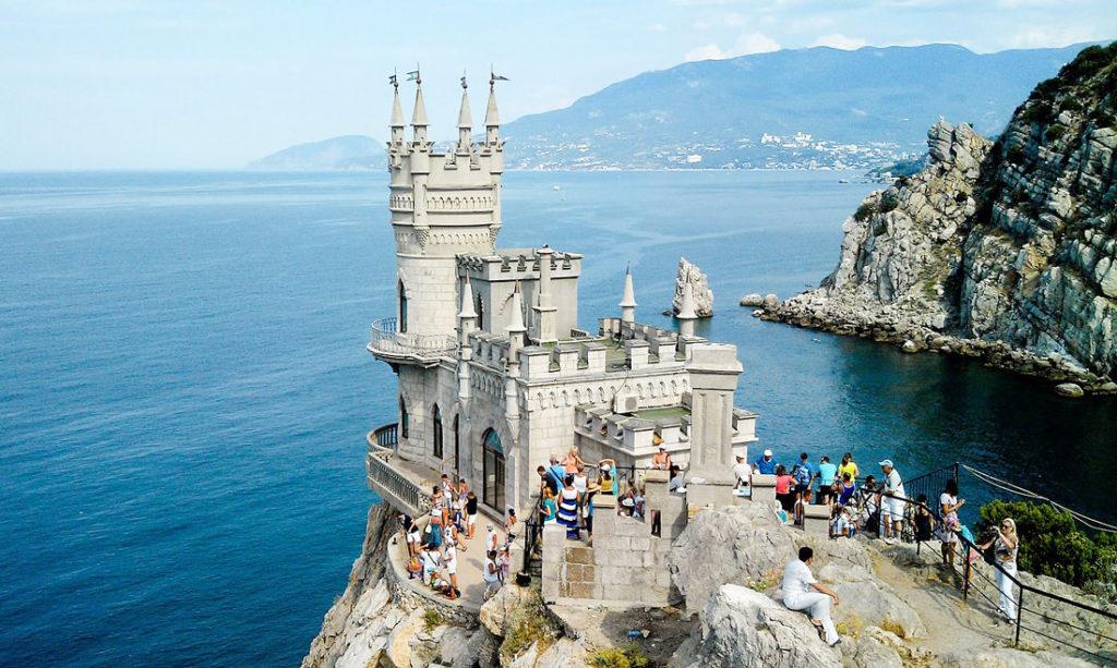 Замок Ласточкино гнездо (Ялта, Крым)