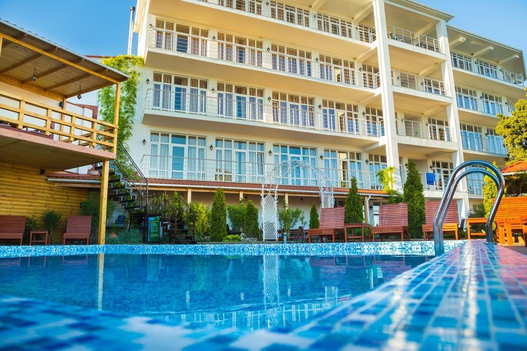 Гостиницы Симеиза с бассейном: Даламия Отель