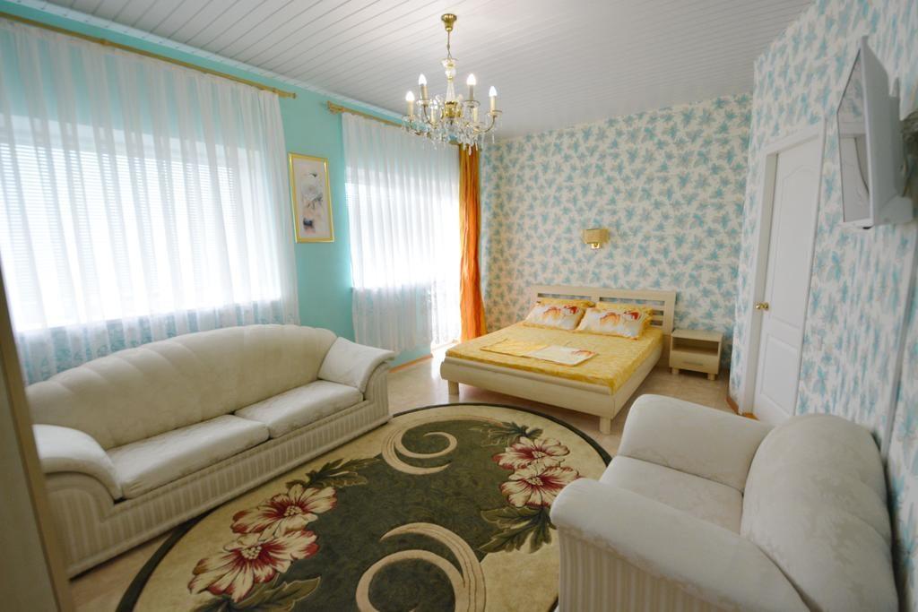 Отели в центре Коктебеля: Yolki
