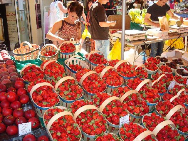 Субботний рынок в Апте (Прованс, Франция)