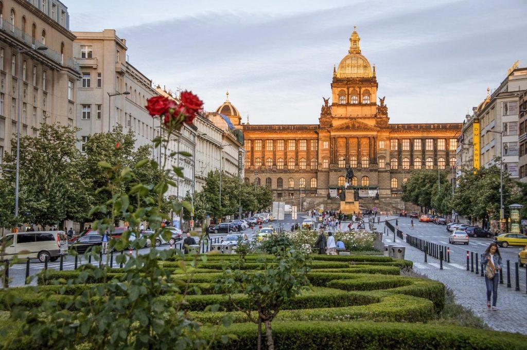 Достопримечательности Праги - Вацлавская площадь