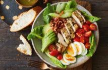 «Кобб» — американский салат с курицей (рецепт и фото)