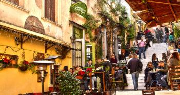 Район Плака, Афины — где остановиться, что посмотреть