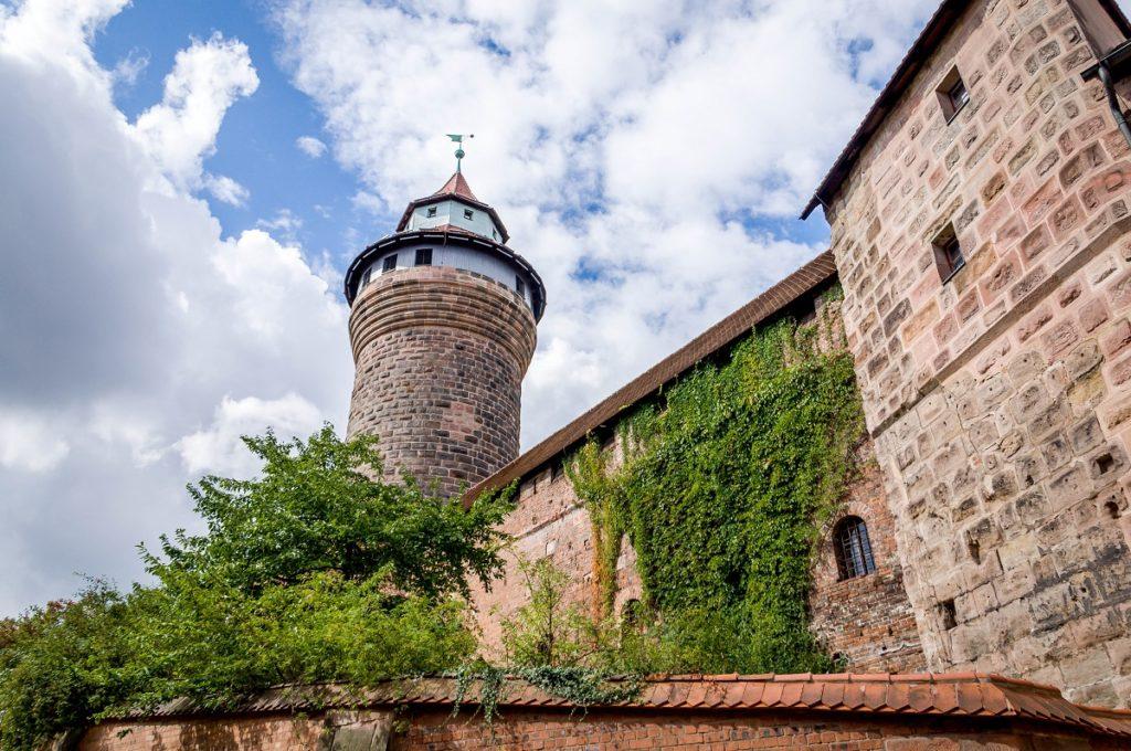 Нюрнбергский замок - еще одна гордость Баварии