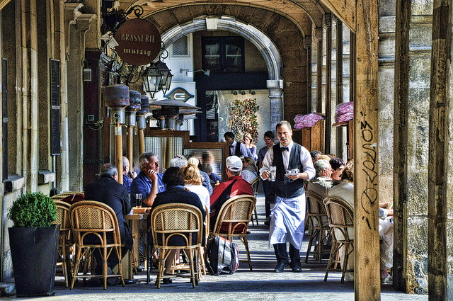 Площадь Вогезов, Париж - где поесть