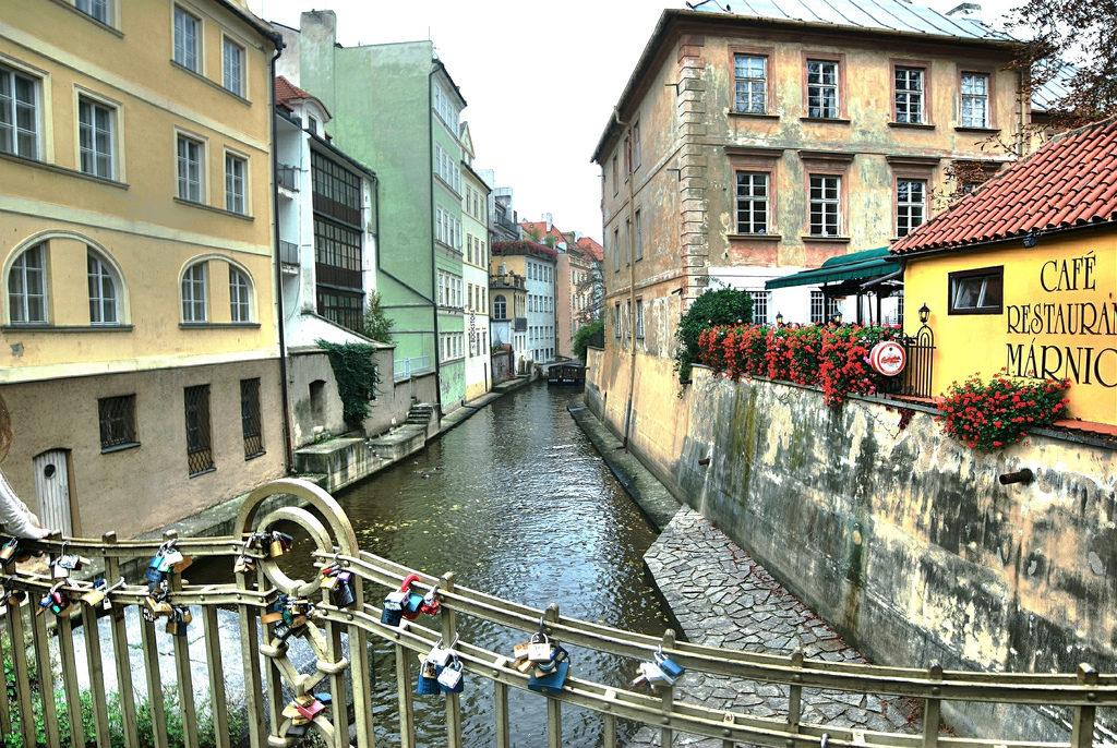 Мобильная связь и Интернет в Праге - цены, тарифы, операторы
