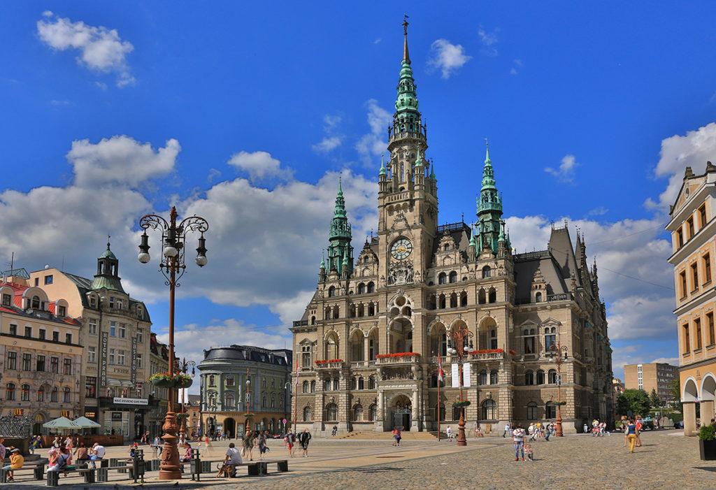Куда съездить из Праги: город Либерец
