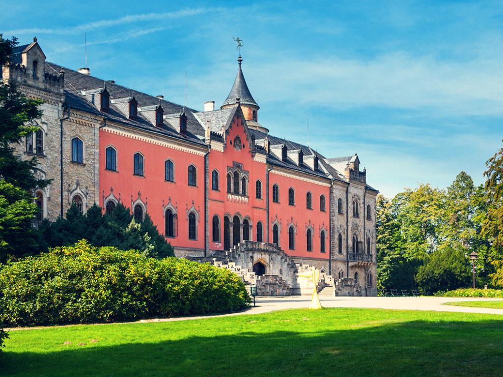 Индивидуальные экскурсии из Праги в замок Сыхров