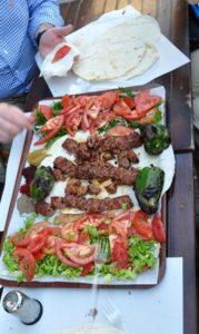 Кафе «Dürümcü Raif Usta» — место, где можно ОЧЕНЬ вкусно поесть в Стамбуле!