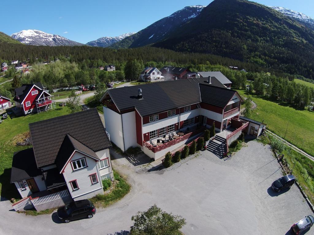 Jostedal Hotel (ледник Нигардсбрин, Норвегия)