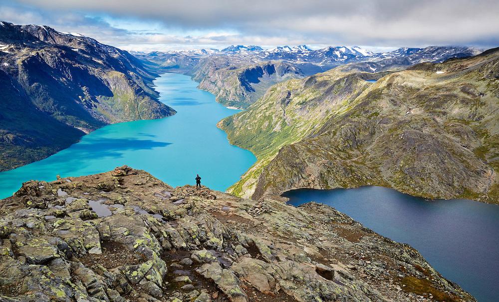 Вид на озера с высоты (трек Бессеген, Норвегия)