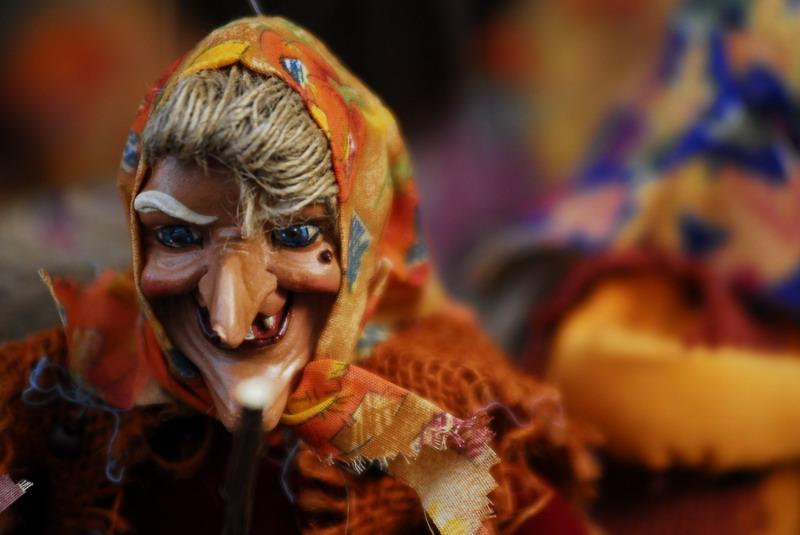 Что привезти из Италии на Рождество: кукла Бефана