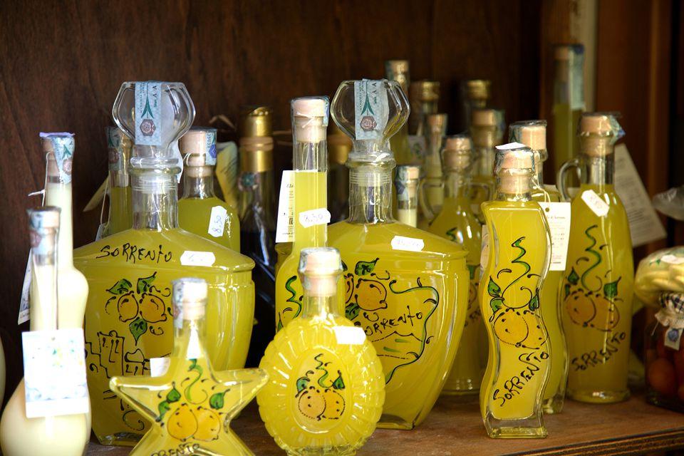 Что купить в Италии на Новый год: лимончелло