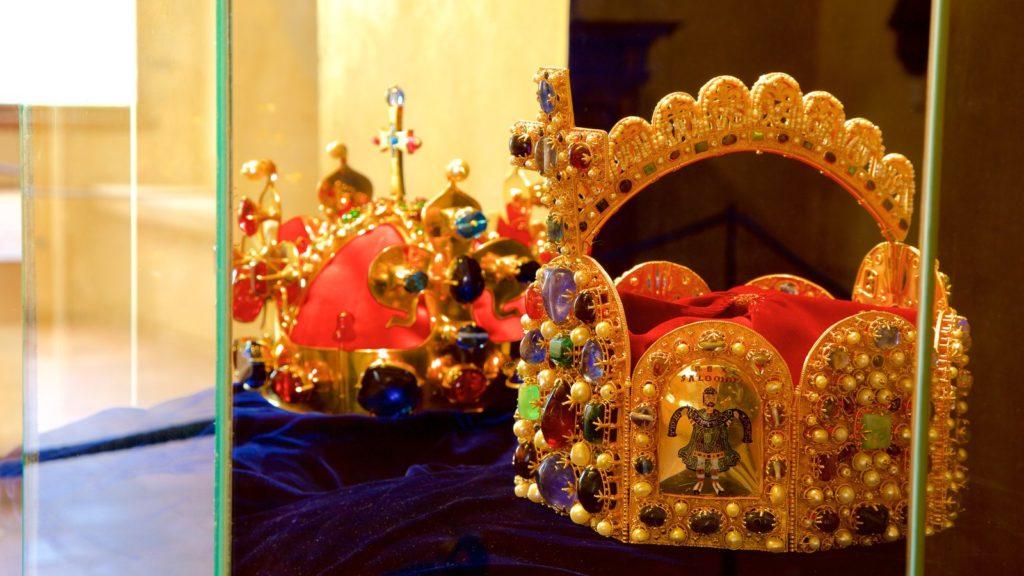 Короны в замке Карлштейн, Чехия