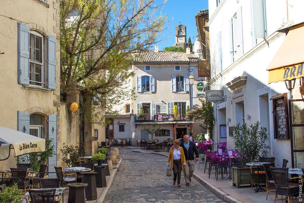 Знаменитые города Прованса: Лурмарен, Франция прованс 10 лучших городов Прованса lourmarin provence 1024x683