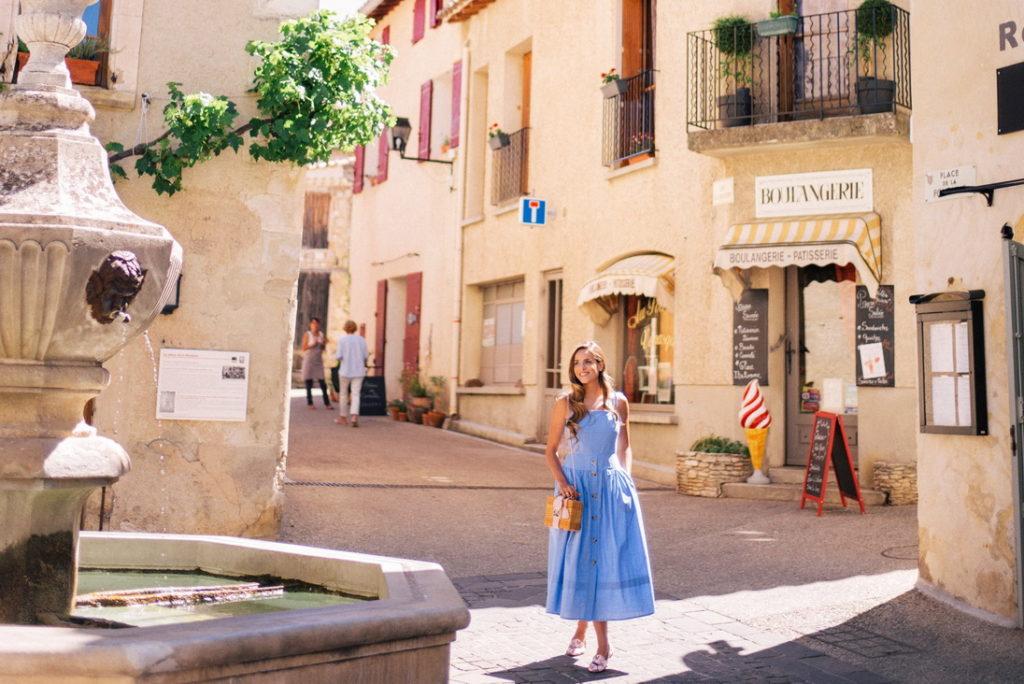 Знаменитые деревни Прованса: Венаск, Франция прованс 10 лучших городов Прованса venasque provence 1024x684